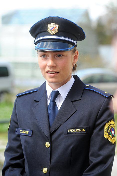 Tina Maze Kot Policistka Picture Image And