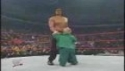 Hulk Hogan returns to Raw to help Hornswoggle vs Great Khali